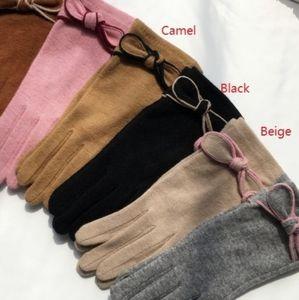 Gloves wool